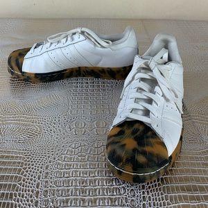 adidas Shoes - 💫Adidas / La marque Aux 3 Bandes